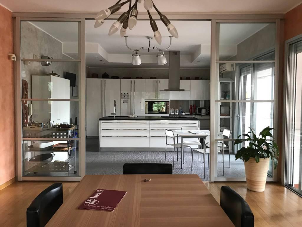 Villa 6 locali in vendita a Bari (BA)