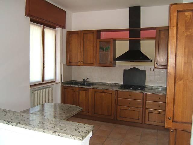 Appartamento in affitto a Albino, 3 locali, prezzo € 530   CambioCasa.it