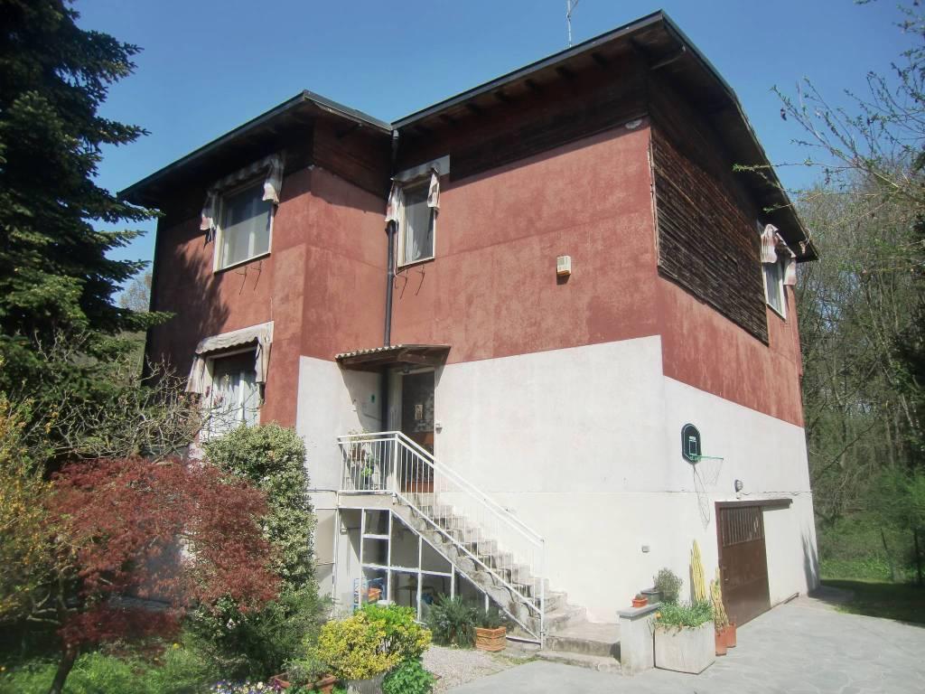 Villa in vendita a Monguzzo, 6 locali, prezzo € 223.000 | PortaleAgenzieImmobiliari.it