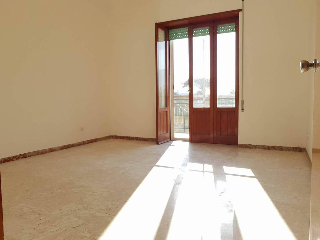 Appartamento in buone condizioni in vendita Rif. 6216130