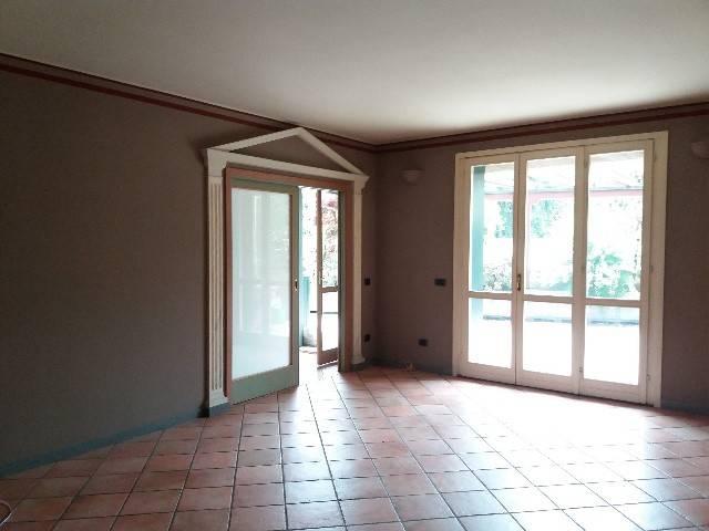 Appartamento in buone condizioni in vendita Rif. 6495510