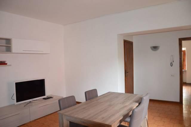 Appartamento in buone condizioni in vendita Rif. 6975259