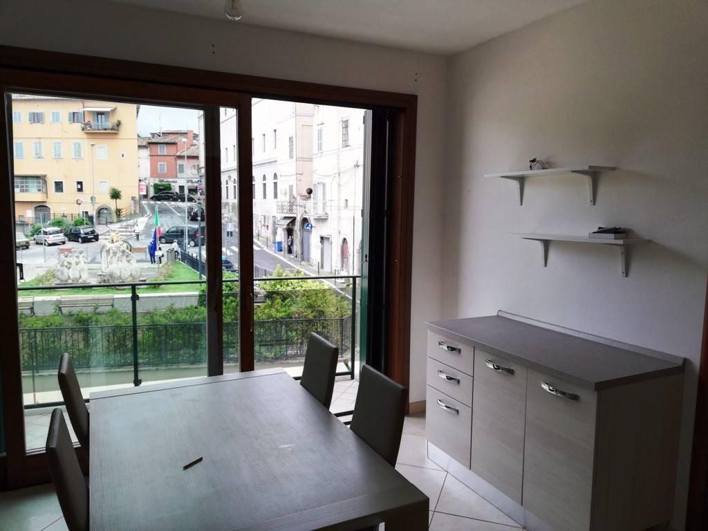 Appartamento in buone condizioni arredato in affitto Rif. 7933721