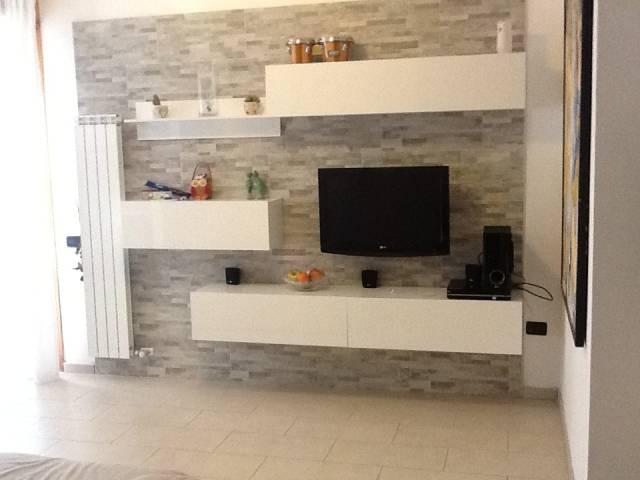 Appartamento in ottime condizioni parzialmente arredato in vendita Rif. 6473868