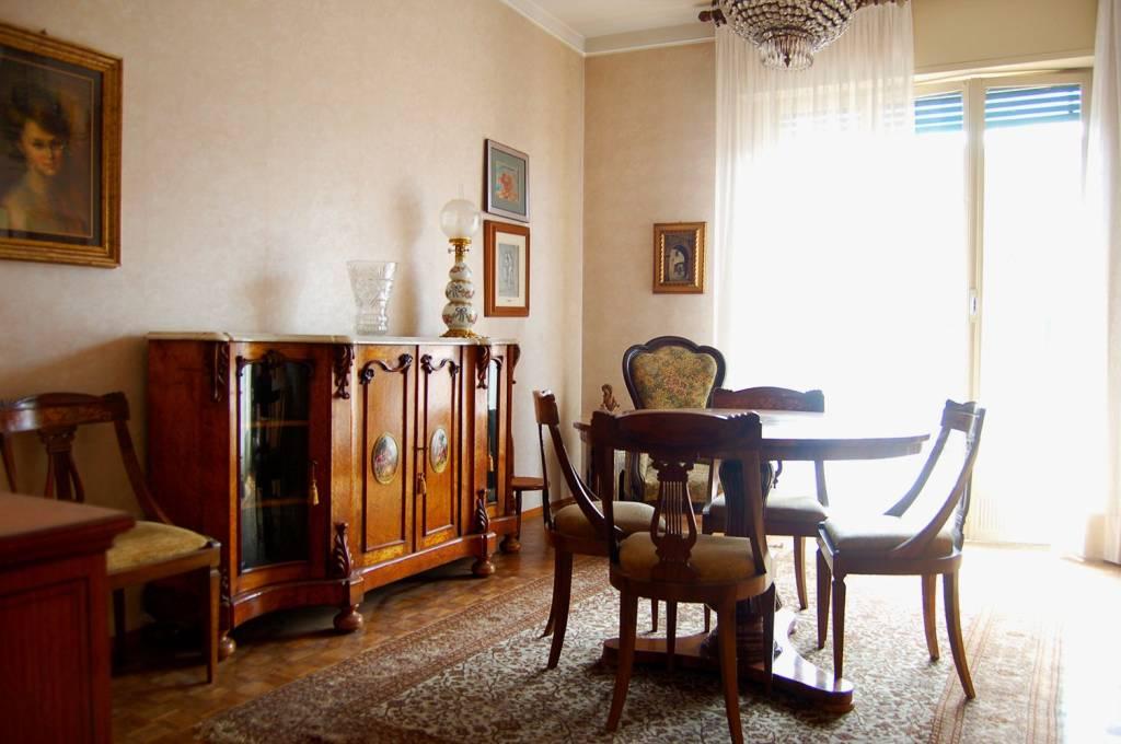 Appartamento da ristrutturare in vendita Rif. 8198901