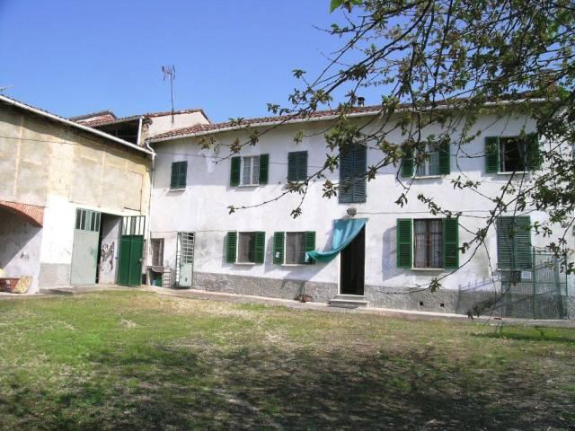 Rustico / Casale in vendita a Vignale Monferrato, 6 locali, prezzo € 200.000 | CambioCasa.it