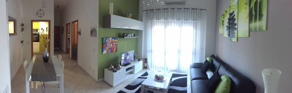 Appartamento in buone condizioni parzialmente arredato in affitto Rif. 8086016