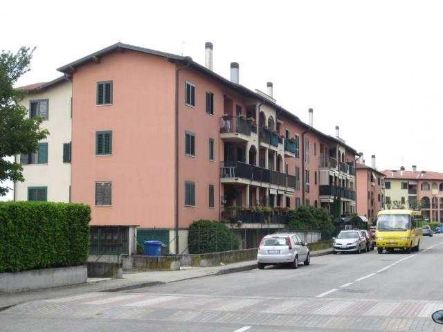 Appartamento in buone condizioni in vendita Rif. 6482043
