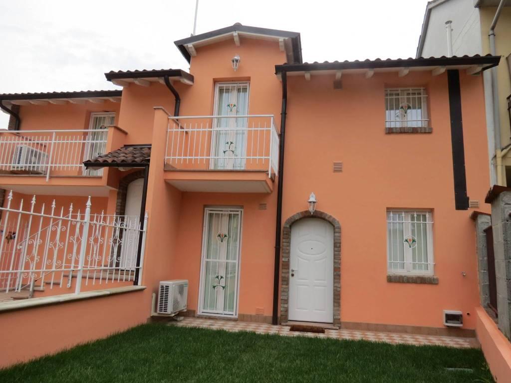 Appartamento parzialmente arredato in vendita Rif. 6476652