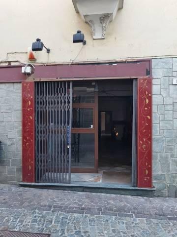 Negozio-locale in Affitto a Piossasco Centro: 2 locali, 45 mq