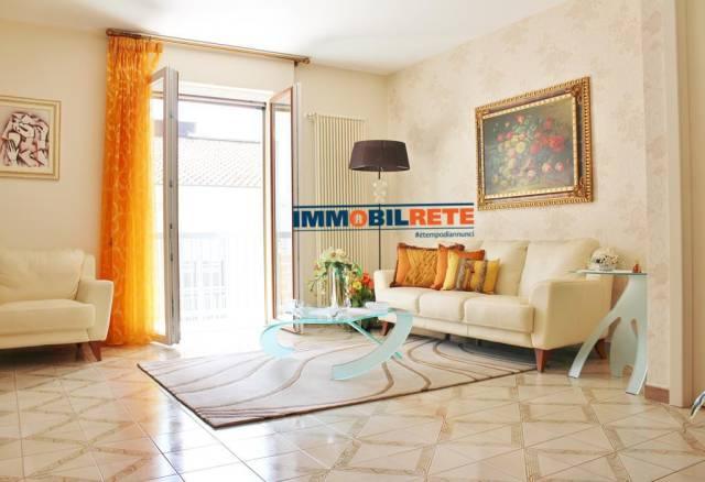 Appartamento in buone condizioni in vendita Rif. 6492810
