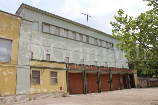 Palazzo in Vendita a Sannicola Centro: 5 locali, 2819 mq