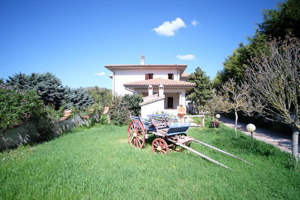Villa in affitto a Torricella in Sabina in Via Delle Valli