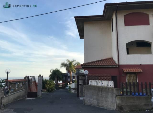 Appartamento da ristrutturare in vendita Rif. 6922090