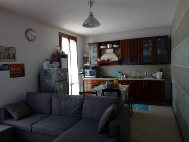 Appartamento in vendita a Volta Mantovana, 2 locali, prezzo € 80.000   CambioCasa.it