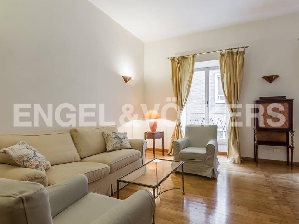 Appartamenti in affitto zona 01 centro storico a roma for Affitto ufficio centro storico roma
