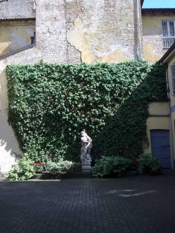 Ufficio-studio in Affitto a Piacenza: 5 locali, 200 mq