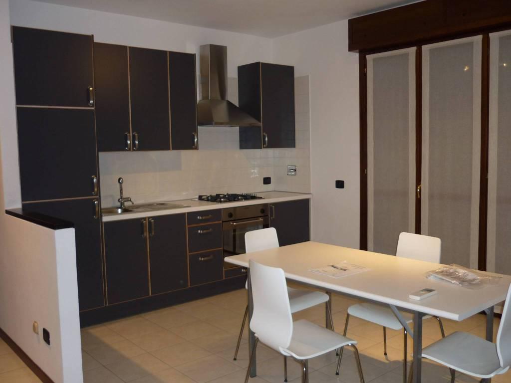 Trilocale semi-nuovo con terrazzo - Guastalla (RE)