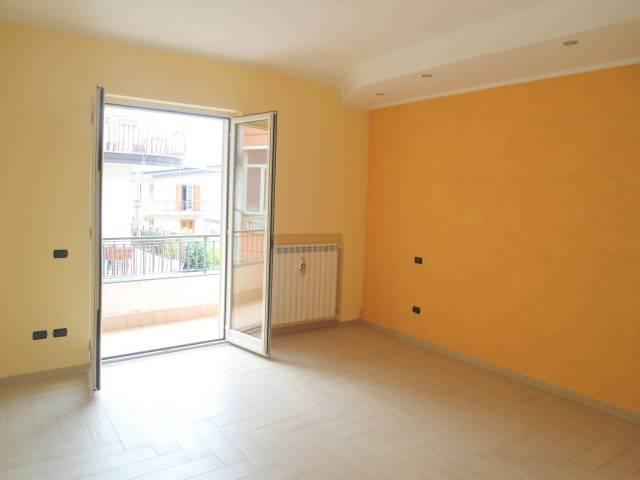 Appartamento in ottime condizioni parzialmente arredato in affitto Rif. 6488727