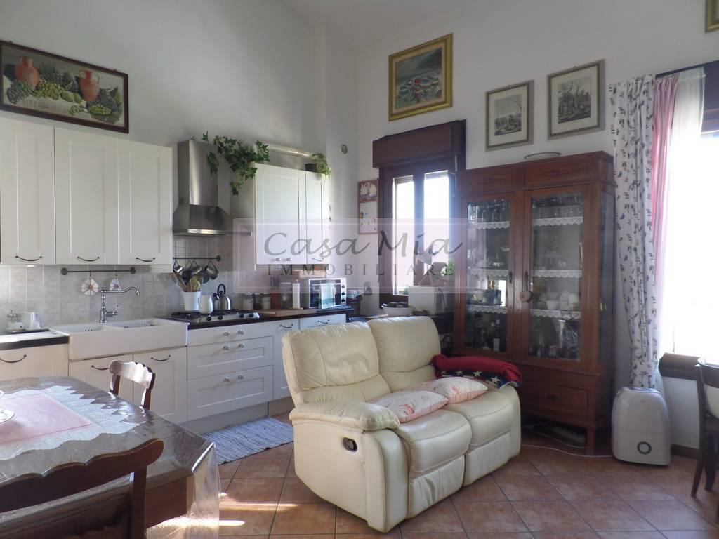 Appartamento quadrilocale in vendita a Cento (FE)