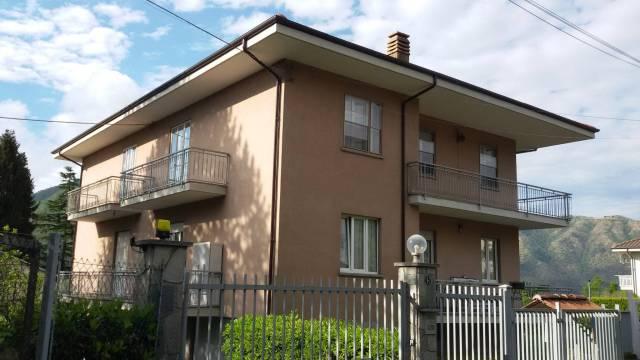 Appartamento in buone condizioni in vendita Rif. 6492507