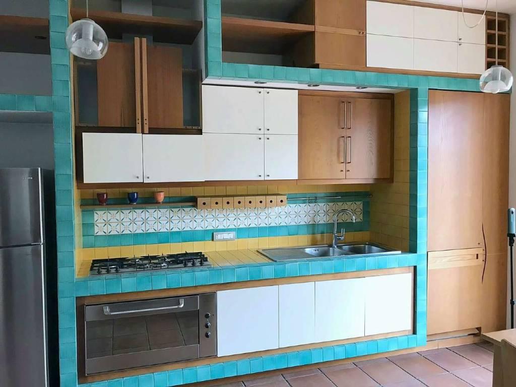 Appartamento in ottime condizioni arredato in affitto Rif. 7359787