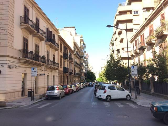 Attico in Affitto a Palermo Centro: 5 locali, 150 mq