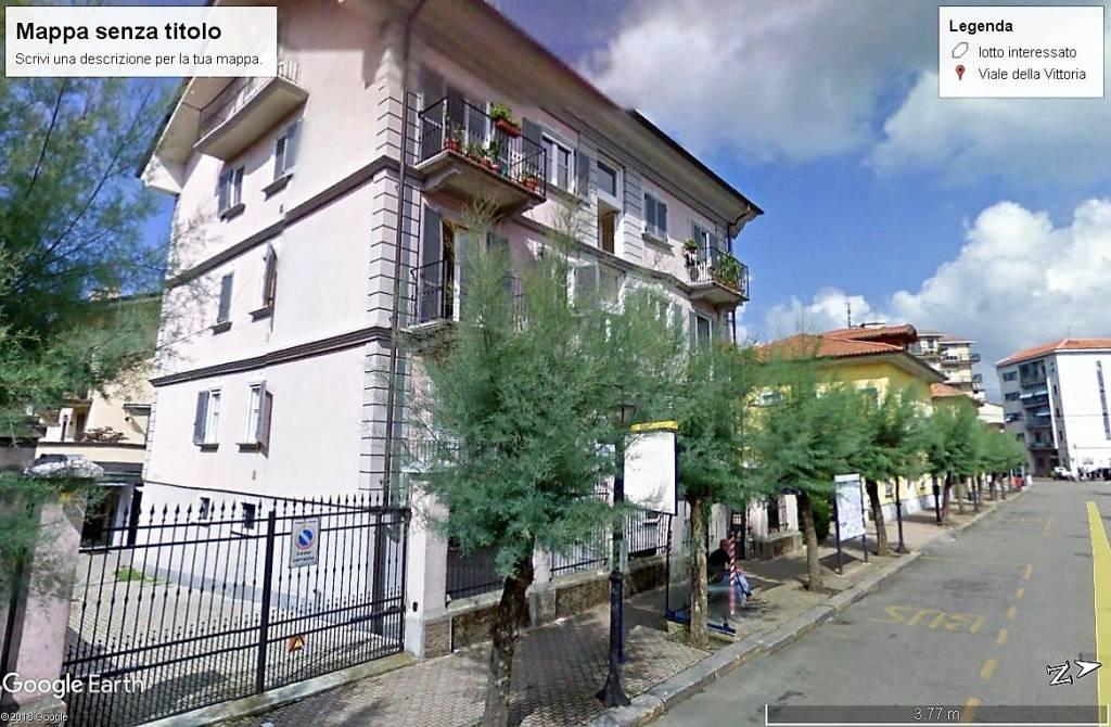 Appartamento in buone condizioni in vendita Rif. 6492813