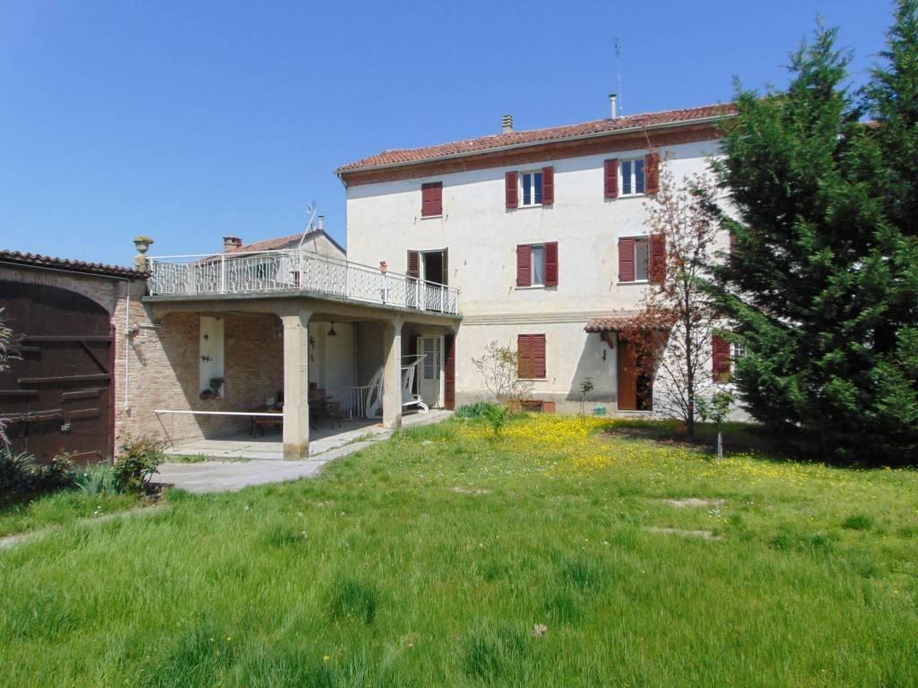 Rustico / Casale in vendita a Bergamasco, 6 locali, prezzo € 160.000 | CambioCasa.it