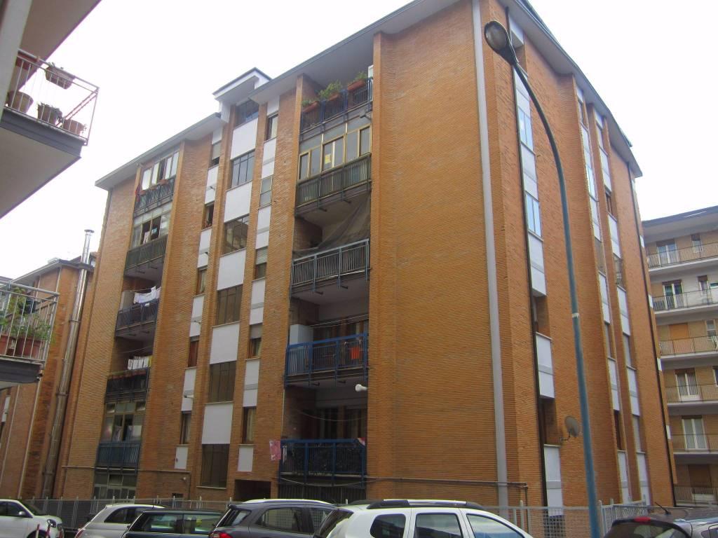 Appartamento da ristrutturare in vendita Rif. 8325637