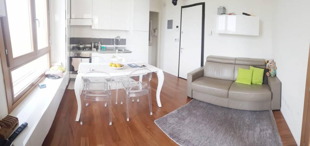 Appartamento in ottime condizioni in vendita Rif. 9152811