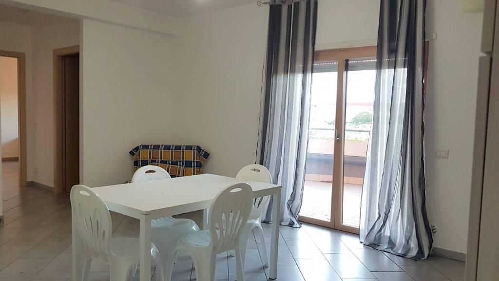 Appartamento parzialmente arredato in vendita Rif. 8912510