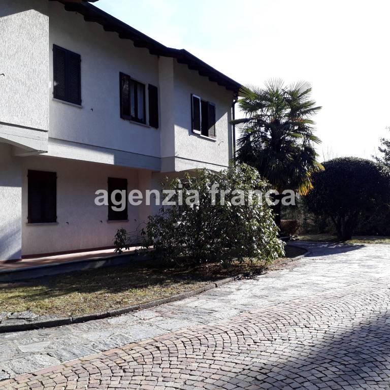 Appartamento in buone condizioni parzialmente arredato in vendita Rif. 6492927