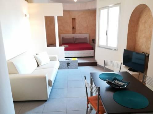 Appartamento in ottime condizioni arredato in affitto Rif. 7027601