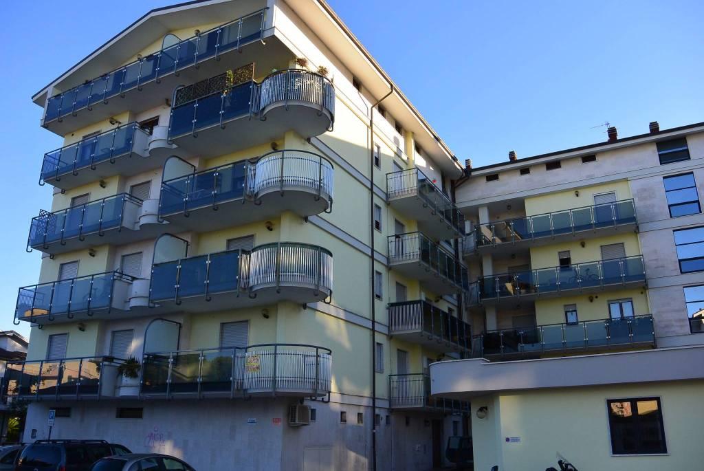 Montesilvano centro appartamento tre camere