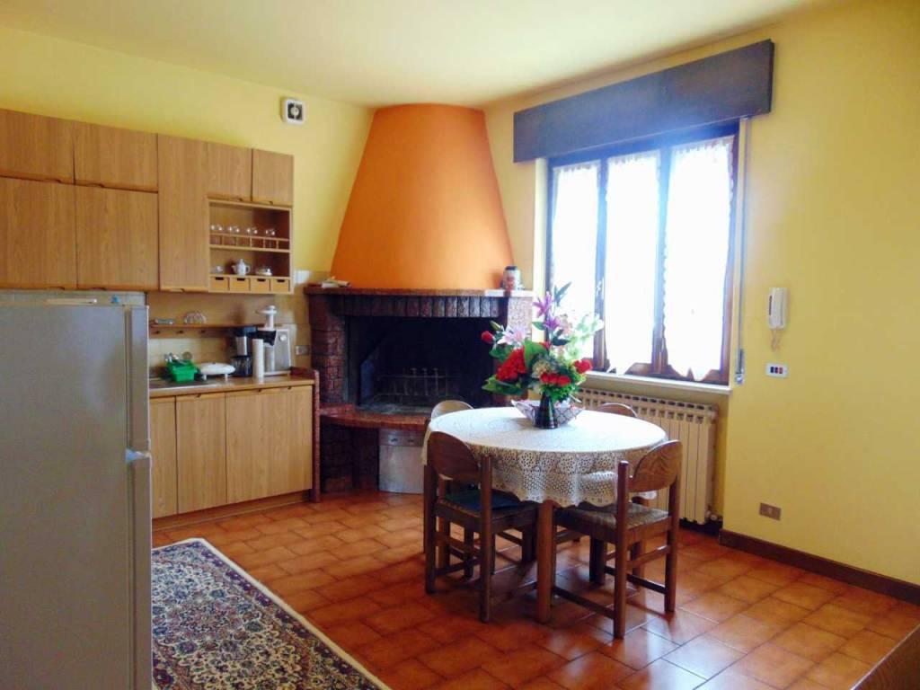Appartamento in buone condizioni arredato in vendita Rif. 6555817