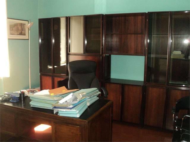 Ufficio / Studio in affitto a Asti, 2 locali, prezzo € 300 | CambioCasa.it