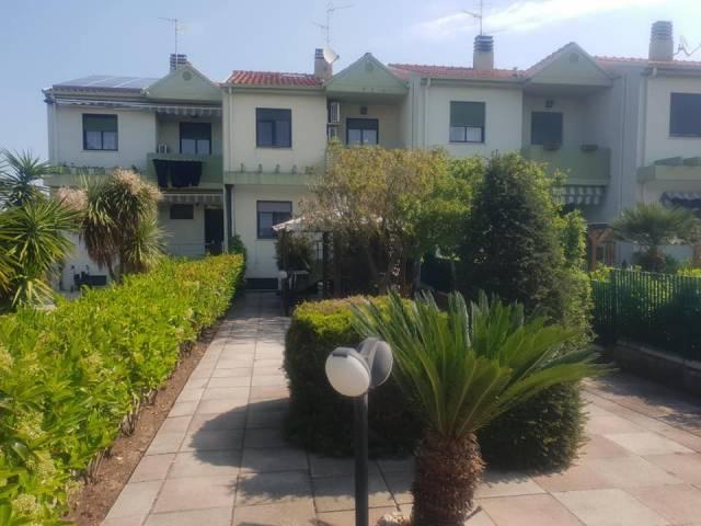 Villa a schiera 5 locali in vendita a Termoli (CB)