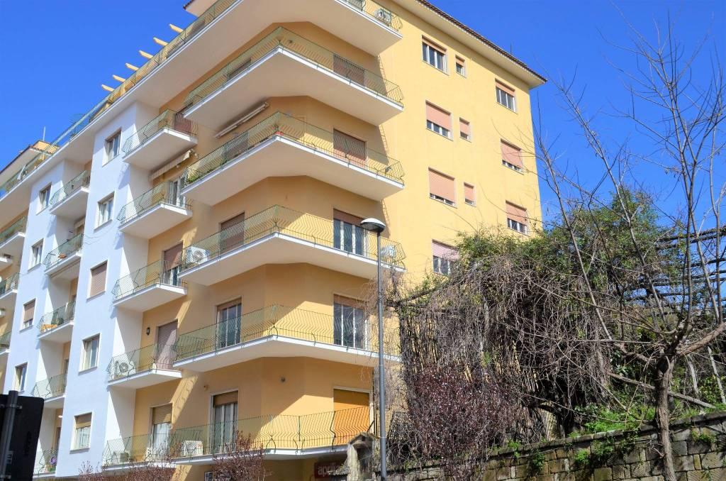 Appartamento da ristrutturare in vendita Rif. 8107662