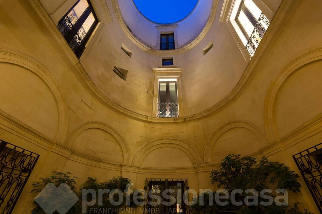 Stabile / Palazzo in ottime condizioni in vendita Rif. 6510648