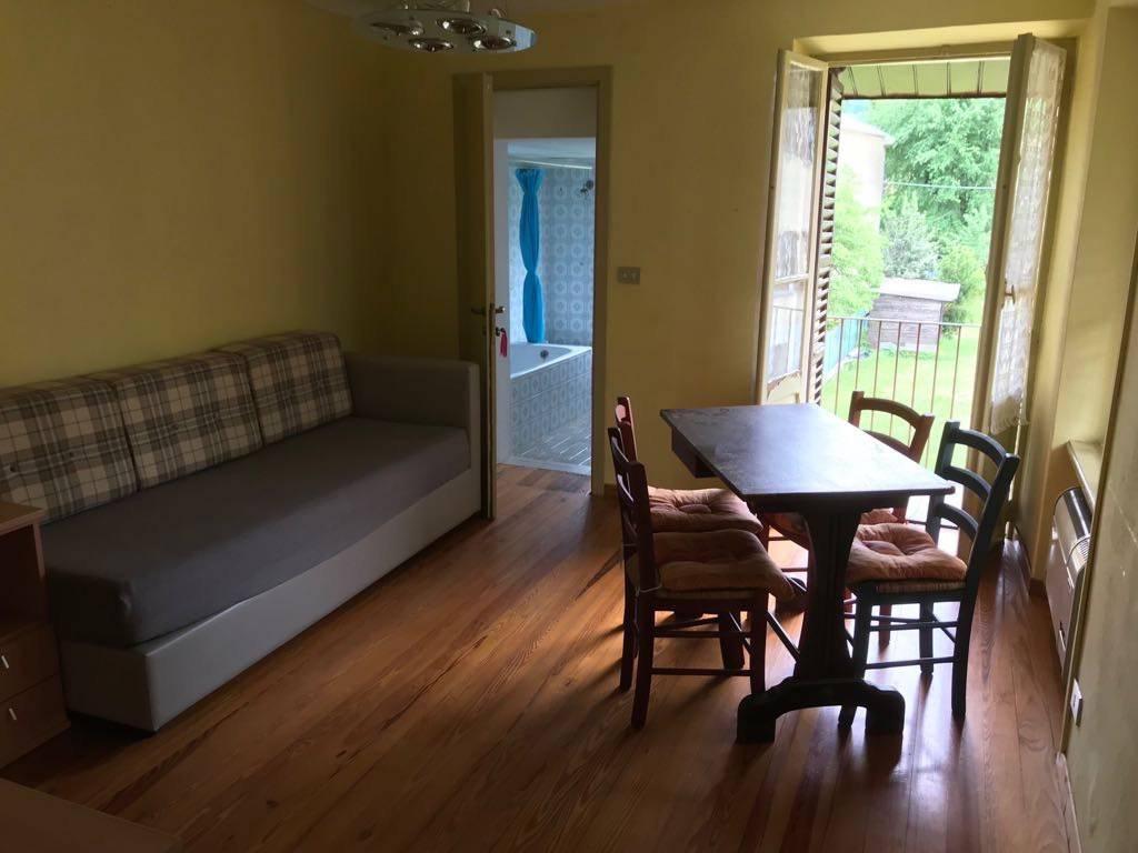 Appartamento in buone condizioni in affitto Rif. 7082822