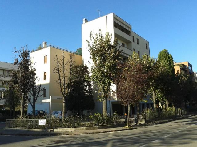 Appartamento in buone condizioni in affitto Rif. 6506957