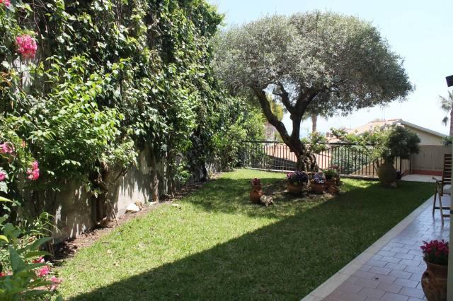Villetta in Vendita a San Gregorio Di Catania Centro: 5 locali, 240 mq