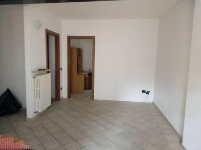 Appartamento in buone condizioni in affitto Rif. 6549422