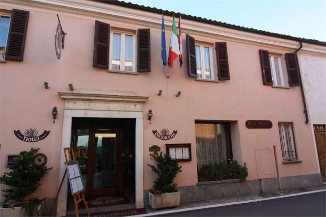 Foto 1 di Palazzo / Stabile Novello