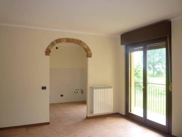 Appartamento in affitto a Persico Dosimo, 2 locali, prezzo € 410 | CambioCasa.it