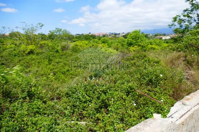 Terreno commerciale in Vendita a Tremestieri Etneo Centro: 550 mq