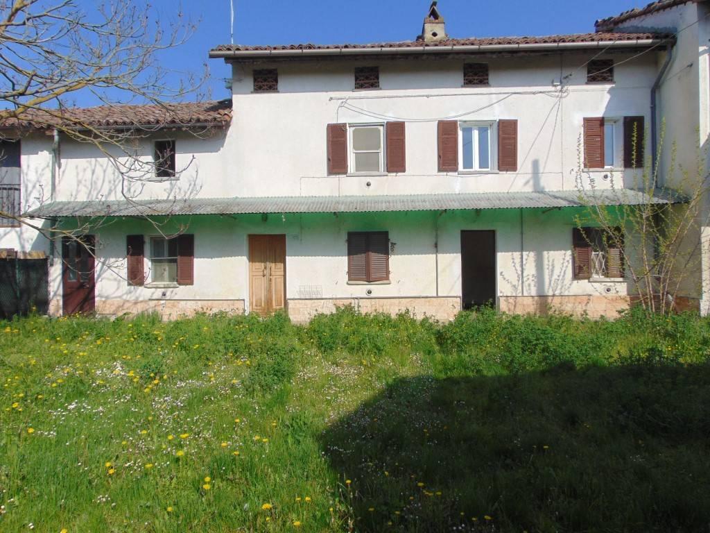 Rustico / Casale in vendita a Oviglio, 5 locali, prezzo € 50.000 | CambioCasa.it