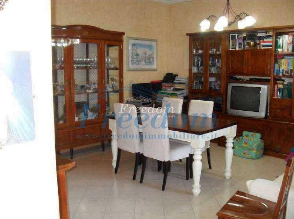 Appartamento in Vendita a Catania Centro: 4 locali, 95 mq