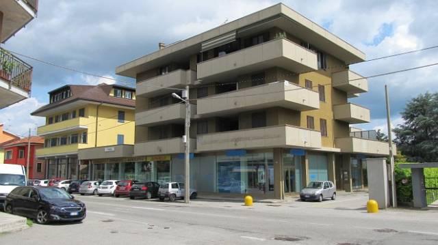 Ufficio / Studio in affitto a Borgomanero, 2 locali, prezzo € 1.400 | CambioCasa.it